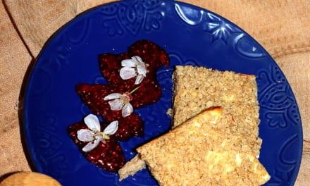 Pohankový koláč s tvarohem a drobenkou