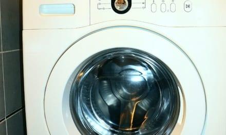 Jak vašemu vrátit prádlu bílou barvu