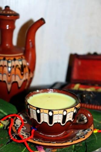 Indické mléko s kardamomem