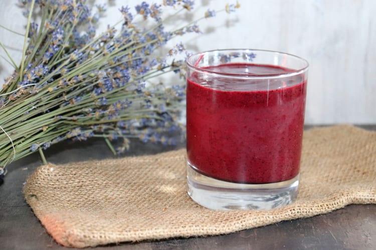Mana borůvkový nápoj