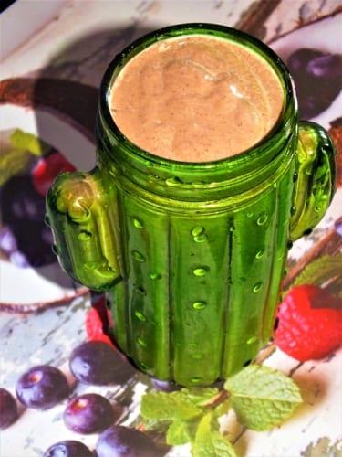 Avokádové smoothie s hrachovým proteinem