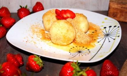 Jahodové bramborové knedlíky
