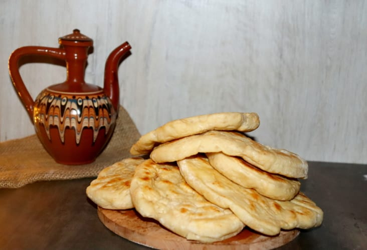 Indický chléb naan z bílého jogurtu