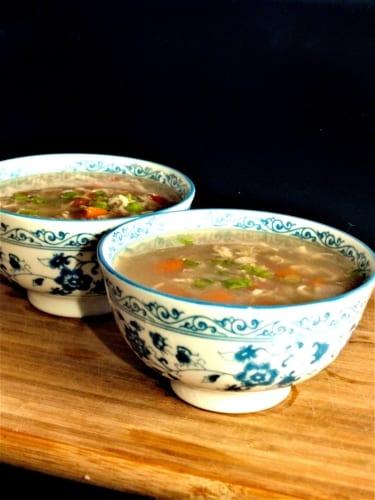 Čínská polévka s vajíčkem (egg drop soup)