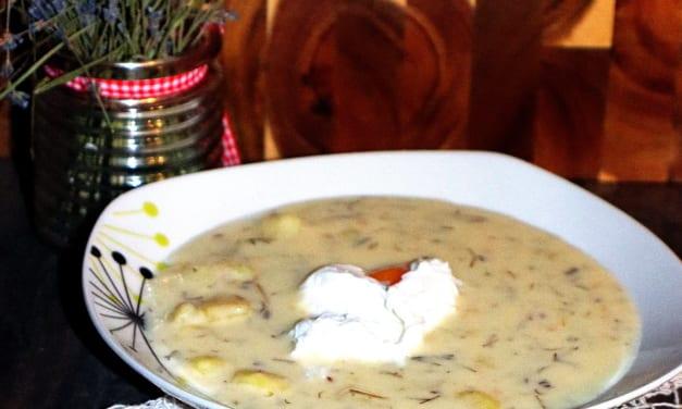 Koprová polévka se ztraceným vejcem