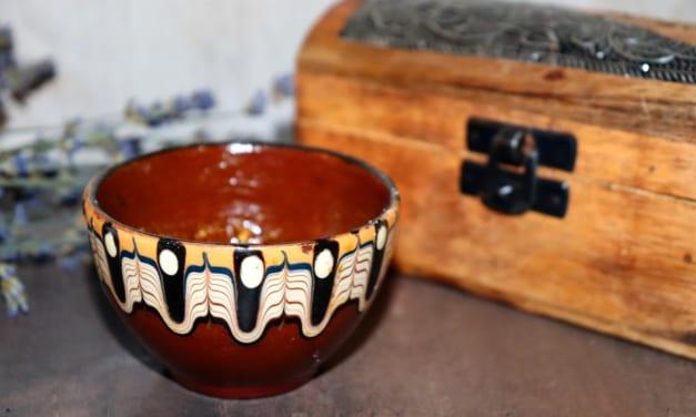 Pleťová maska z melasy, kurkumy a ovesné mouky