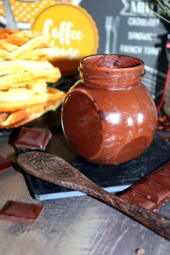 Nutella z mléčné čokolády