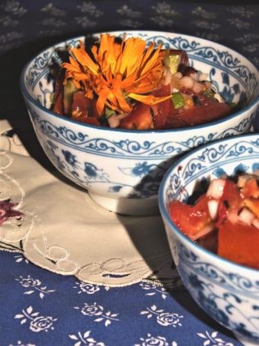 Rajčatový salát s cibulí (Německo)