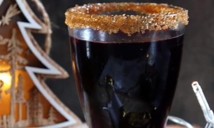 Nealkoholický svařák z černého rybízu