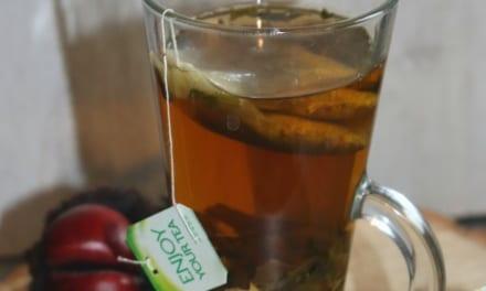 Zelený čaj s heřmánkem