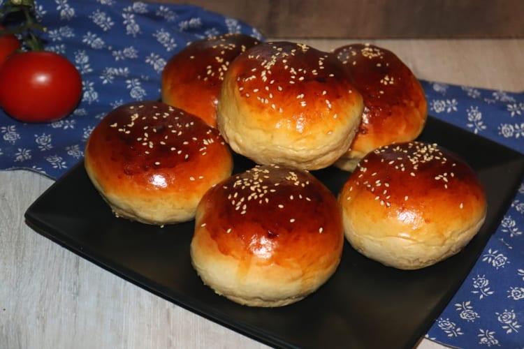 Hamburgerové bulky (kynou jen 10 minut)