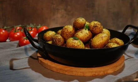 Kari brambory pečené v troubě