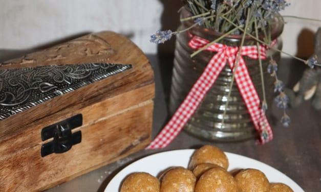 Nepečené arašídové kuličky (veganské)