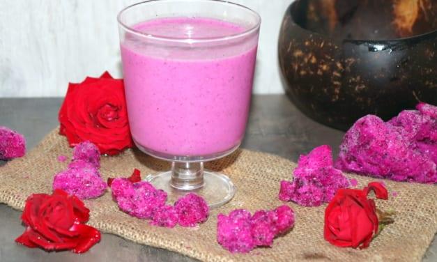 Růžové smoothie z dračího ovoce