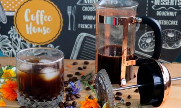Cold brew ve French pressu