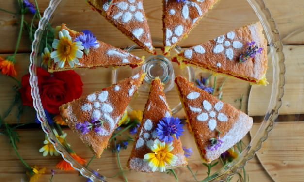 Bezlepkový piškotový dort s malinovou omáčkou